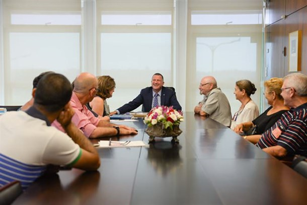 Members of the Adler Aphasia Center meet with Speaker of the Knesset MK Yuli Edelstein